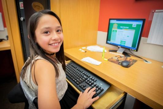Girl Computer Operator2.jpg